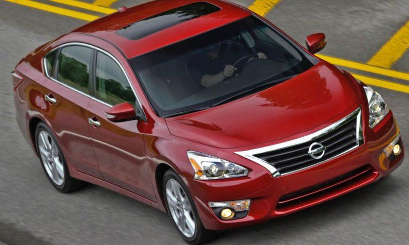 2014 Nissan Altima/Images courtesy Nissan