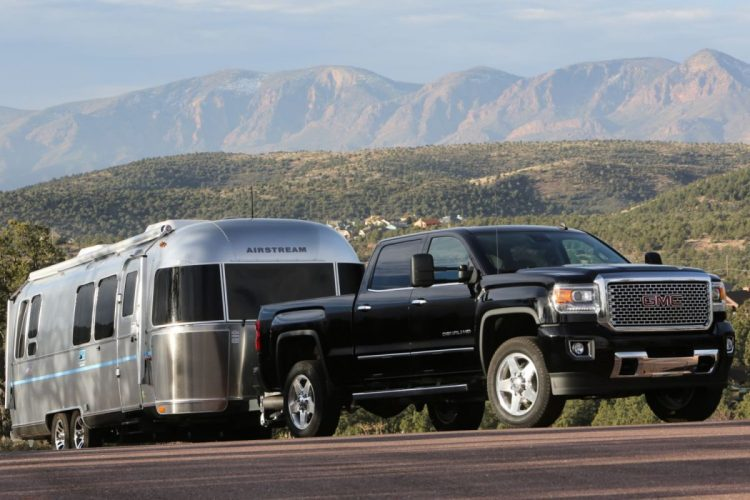 2015 gmc sierra 2500hd denali and all terrain make the professional grade geardiary. Black Bedroom Furniture Sets. Home Design Ideas