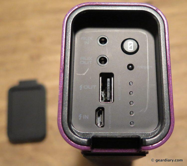 09-Braven LUX HD Wireless Speaker Power Bank Speakerphone-008