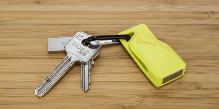 GearDiary Stikey Is the Multi-Tool for Your SmartPhone