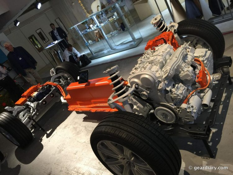 1-Volvo XC90 T8 engine and batteries