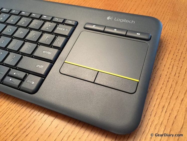 GearDiary Logitech's K400 Plus Wireless Touch Keyboard Is Perfect for the Living Room