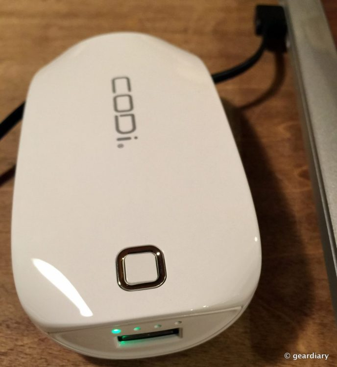 10-Gear Diary Reviews the CODi PowerBank Charger with Lighning Cable 6,000mAh.58