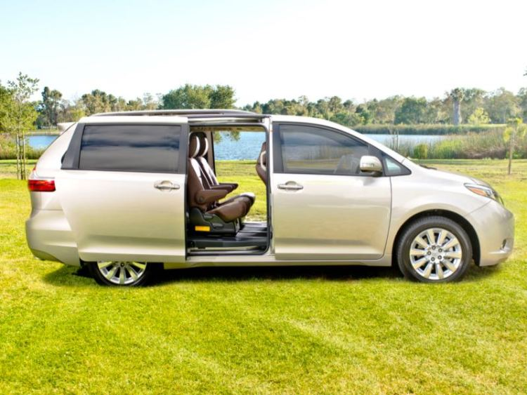 2015 Toyota Sienna Minivan: Transportation for the Ages
