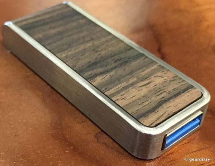 08-Gear Diary Reviews the Brinell Stick Single Action Wood USB 3.0 Flash Drive-007