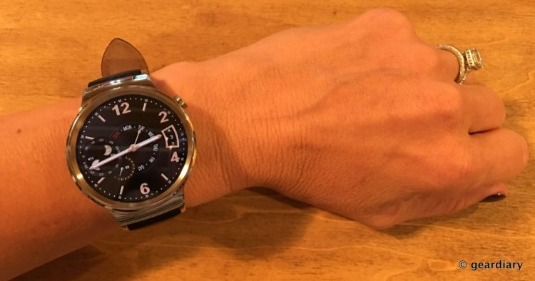 1-Huawei Watch on wrist