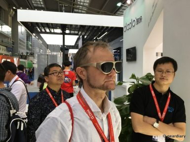 DloDlo Glass V One Virtual Reality Glasses: Vaporwear? Or the World's Smallest VR Headset?