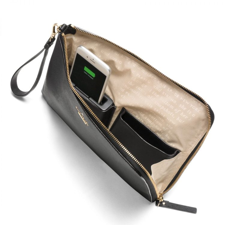 EverPurse_BLK_Cltch_Charging_open_2048x2048