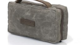 The WaterField Designs Duo Dopp Kit Is a Great Father's Day (or Self's Day) Gift