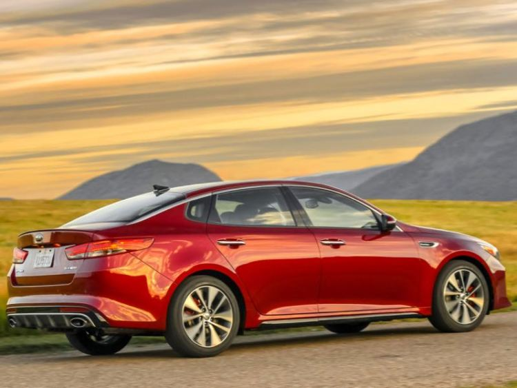 2016 Kia Optima SXL Sedan: That's What She Said!