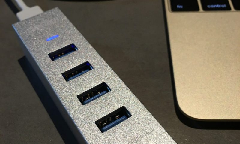 Choetech Aluminum 4 Port USB C Hub-007