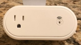 Incipio's CommandKit Smart Outlet Helps Monitor Your Home through Apple's HomeKit