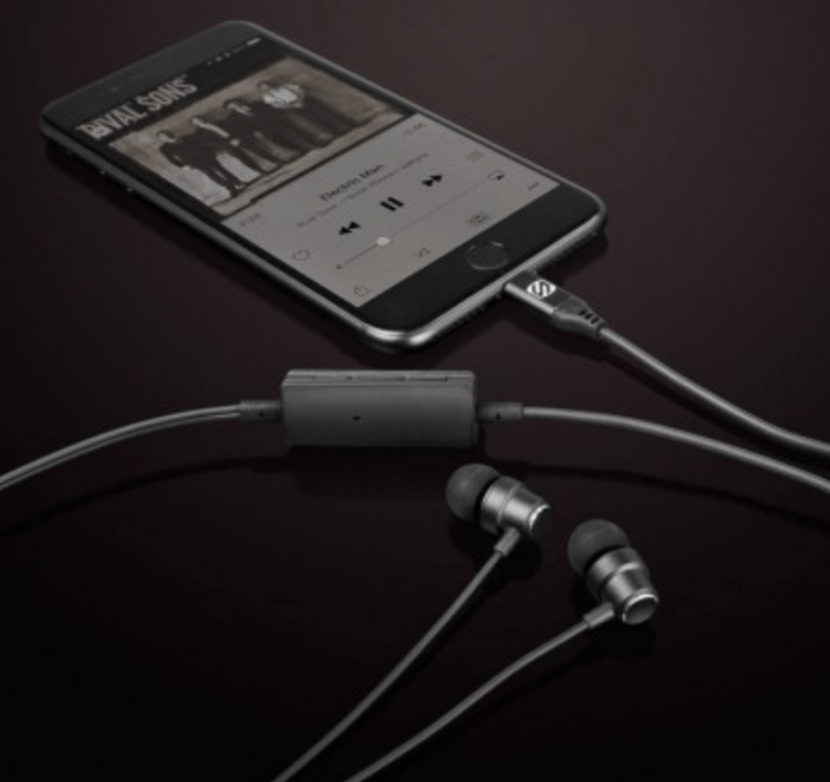 Lightning EarPods No More, Thanks to the Scosche HPL1 iPhone 7 Noise Isolation Earbuds