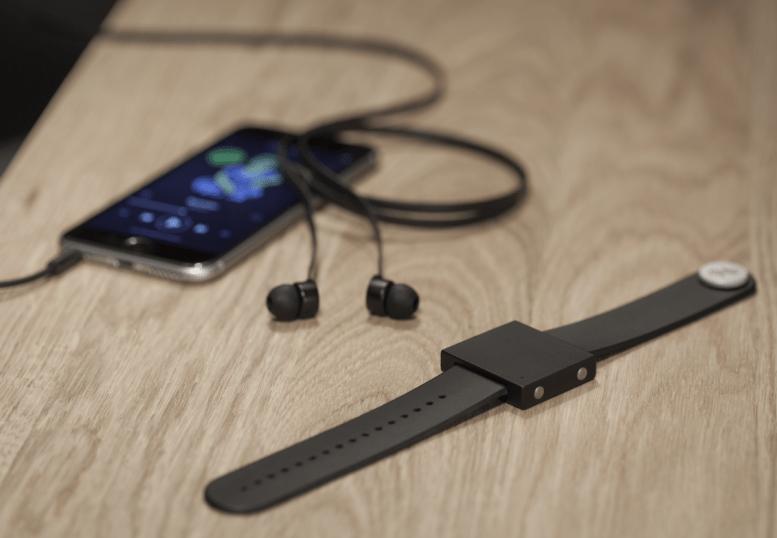 GearDiary Headphones Give You Sound, but the Basslet Lets You Feel the Music