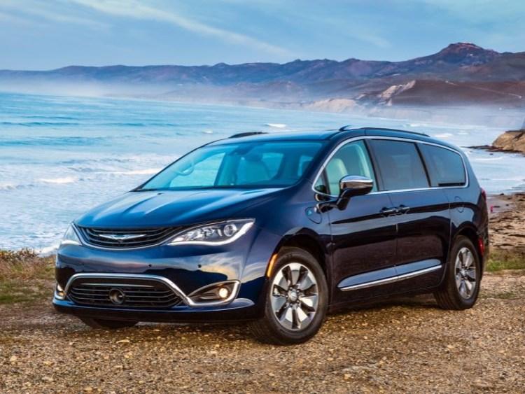 2017 Chrysler Pacifica Hybrid Minivan Is Electrifying  2017 Chrysler Pacifica Hybrid Minivan Is Electrifying  2017 Chrysler Pacifica Hybrid Minivan Is Electrifying