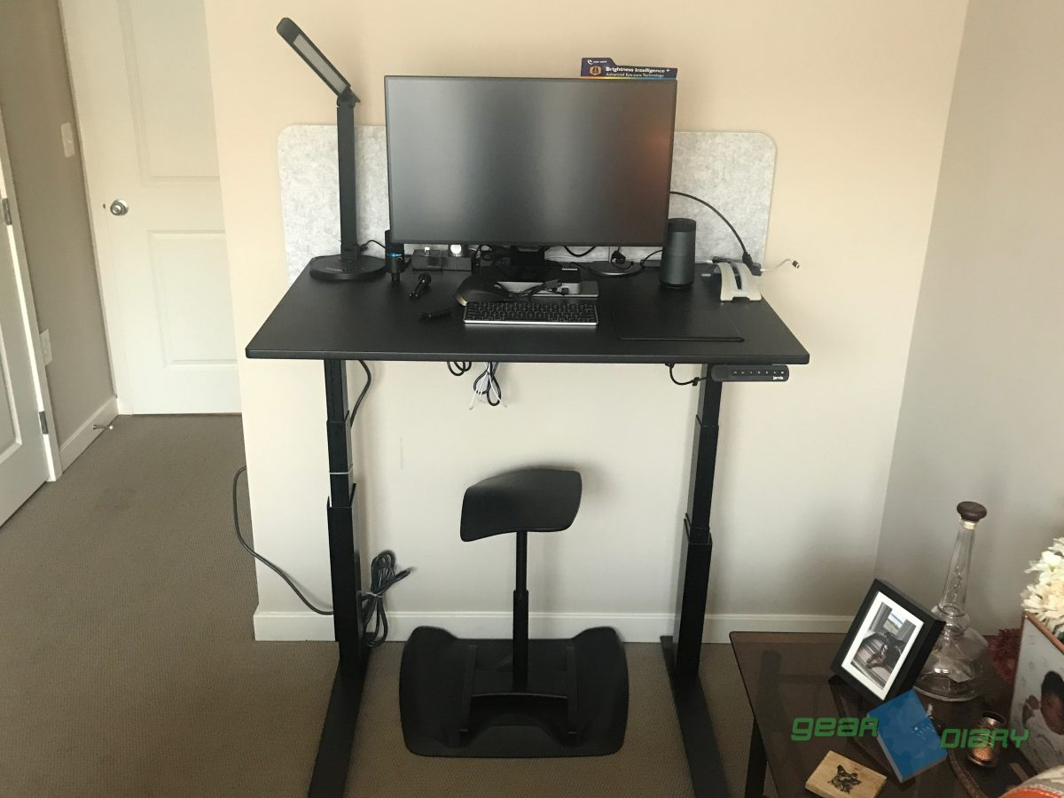 Fullys Jarvis Standing Desk Is the Best Setup for Your Home