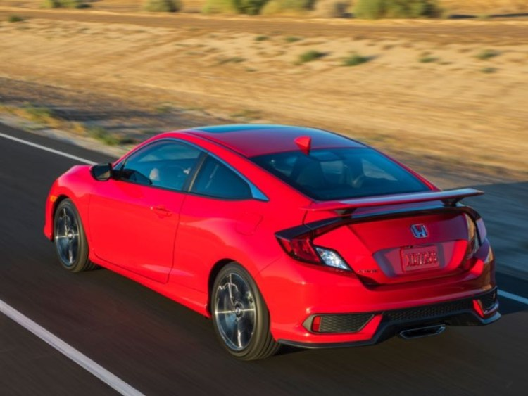 2017 Honda Civic Si Coupe Is Alive and Kicking  2017 Honda Civic Si Coupe Is Alive and Kicking
