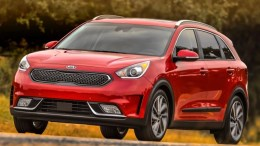 2017 Kia Niro Is a Hybrid Hit