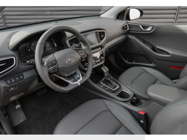 2017 Hyundai Ioniq Hybrid Is a True Contender