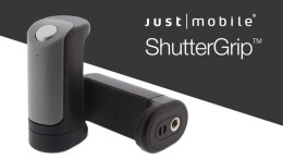 GearDiary Just Mobile ShutterGrip Is a Grab-and-Go Camera Control for Your Smartphone