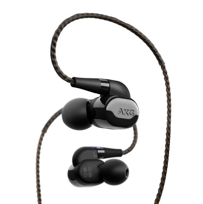 AKG N5005 Headphones Flaunt Studio Quality Sound and a Brilliant Design