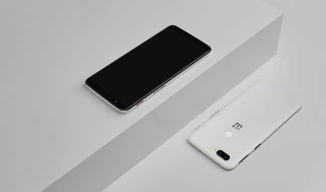 OnePlus 5T Gets a Limited Edition Sandstone White Model for the New Year