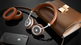 GearDiary Master & Dynamic's New MW50+ Headphones Let You Choose How You Wear Them