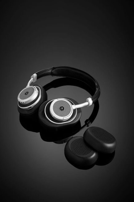 Master & Dynamic's New MW50+ Headphones Let You Choose How You Wear Them