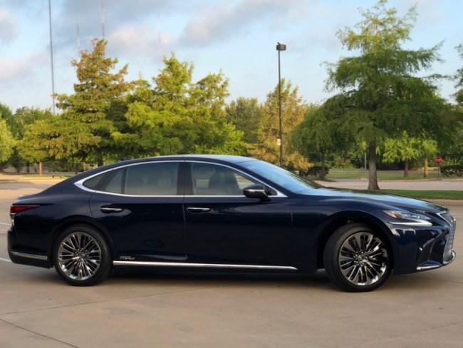 2018 Lexus LS 500h: Living Green in the Lap of Luxury