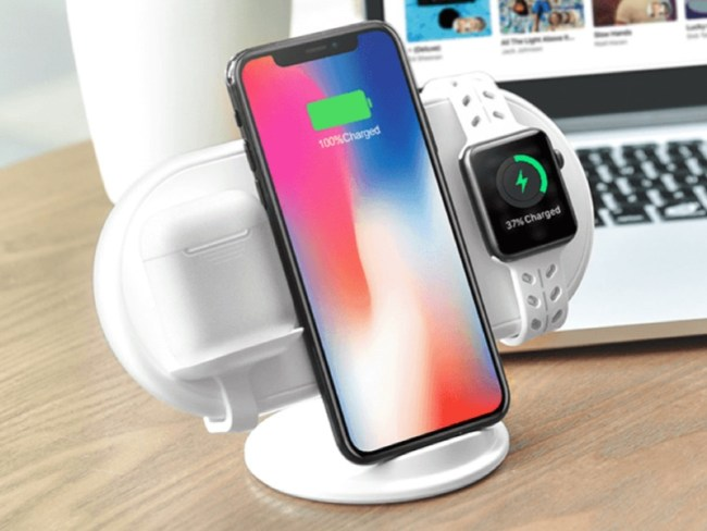 GearDiary Plux Wireless Charger Recharges All of Your Digital Life