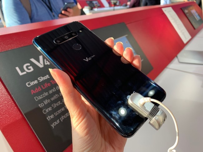 LG V40 ThinQ Picks up Five Cameras; You Can Pick up Preorder Goodies from US Cellular