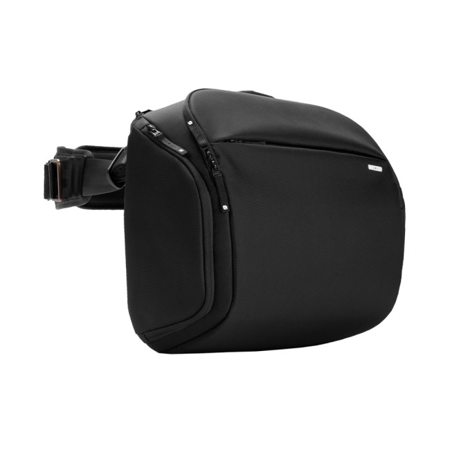 Incase's ICON Sling Pack Is a Great Way to Commute with All of Your Things