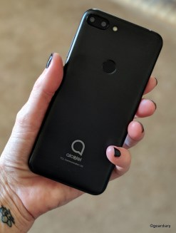 Alcatel 1S in hand 5