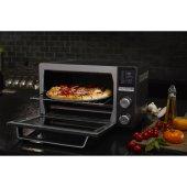 Calphalon's Quartz Heat Countertop Oven Saves Energy & Cooks Quickly