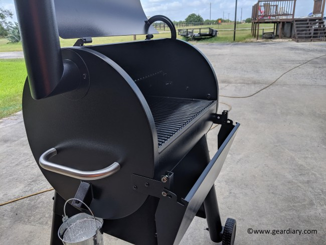 Traeger Pro Series 575 Pellet Grill Will Make Your Summer Epic