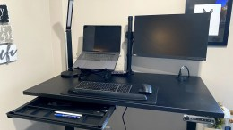 Fully Remi Standing Desk Review: Working from Home Has Been Made a Bit More Comfortable