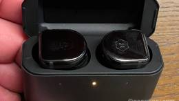 Master & Dynamic MW08 ANC True Wireless Earbuds Review: A Gear Diary Editor's Choice