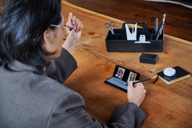 Video Conferencing with the Samsung Galaxy Z Fold3 5G