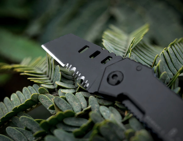 World's Smallest Tactical Pocket Knife – B-2 Nano Blade