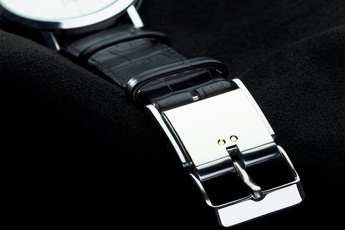 This SmartBuckle Turns Your Dress Watch Into A Fitness Tracker