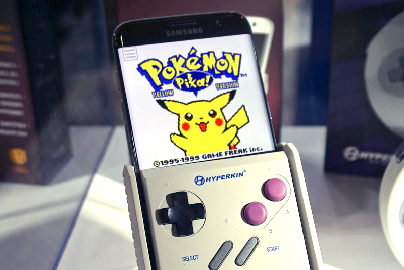 SmartBoy Turn Your Smartphone Into An OldSchool Game Boy - Hyperkin smartphone gameboy