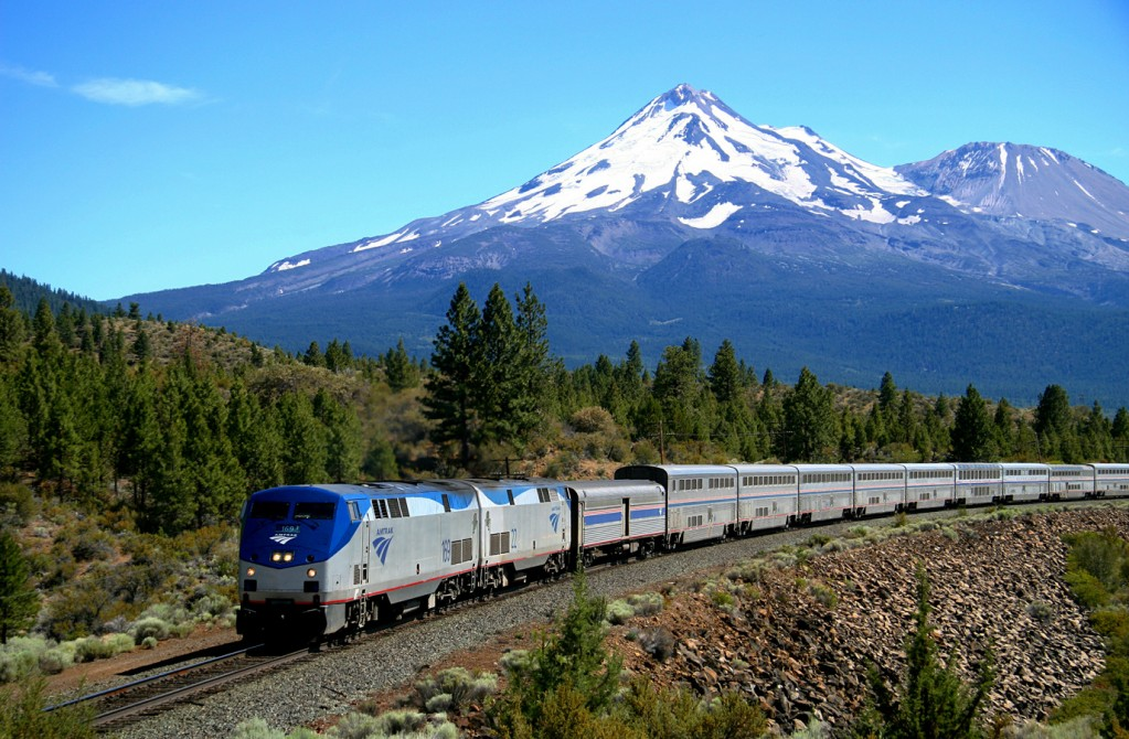 Experience the West Coast In All Its Glory on the Amtrak Coast Starlight