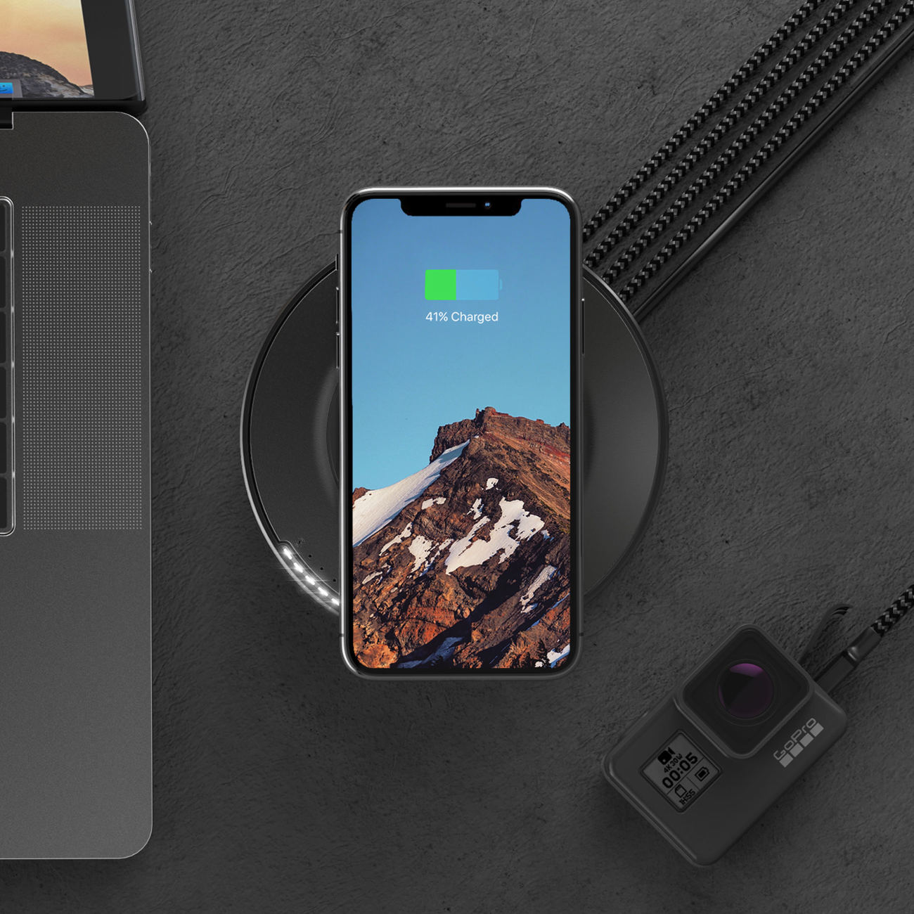 Nomad USB Hub Wireless Charging