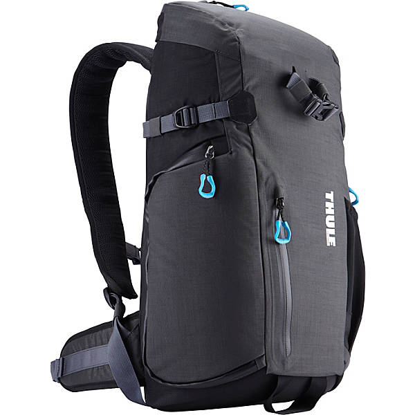 Our New Favorite Camera Bag Is The Thule Perspektiv