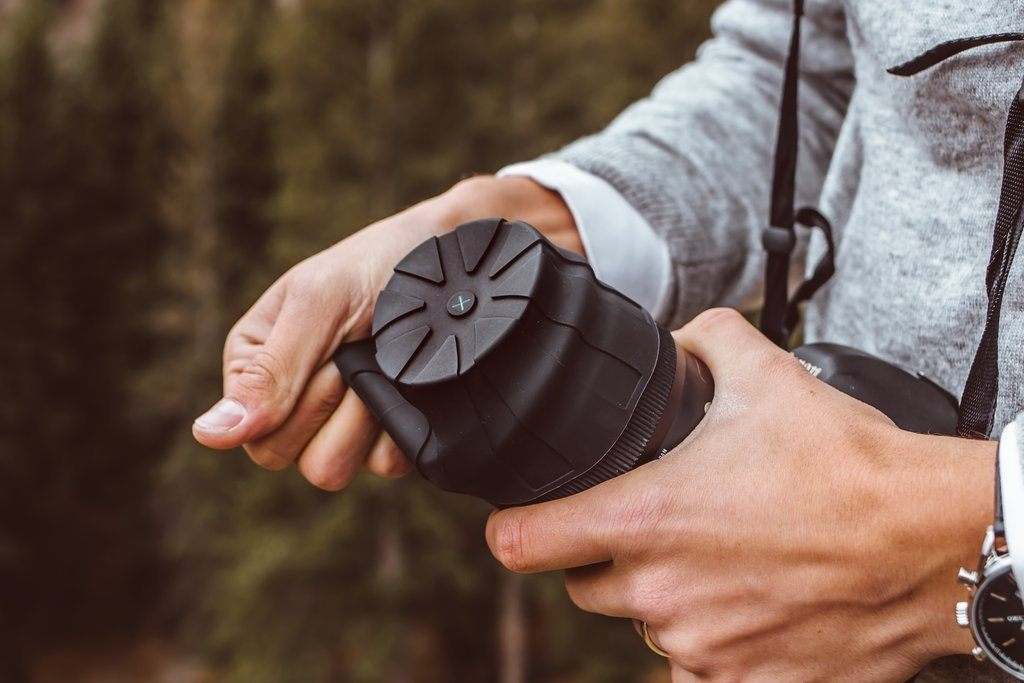 This Universal Lens Cap Fits 99% of Camera Lenses Out There