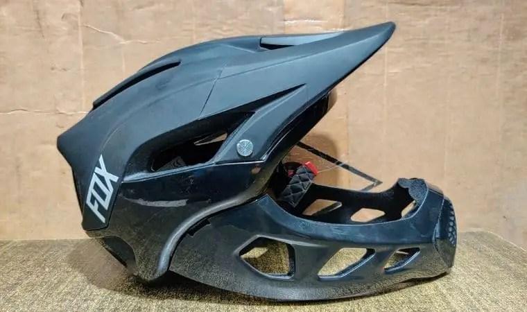 how long does a motorcycle helmet last