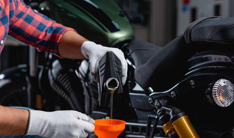 What's the Difference Between 5w30 vs 10w30 Motorcycle Oil