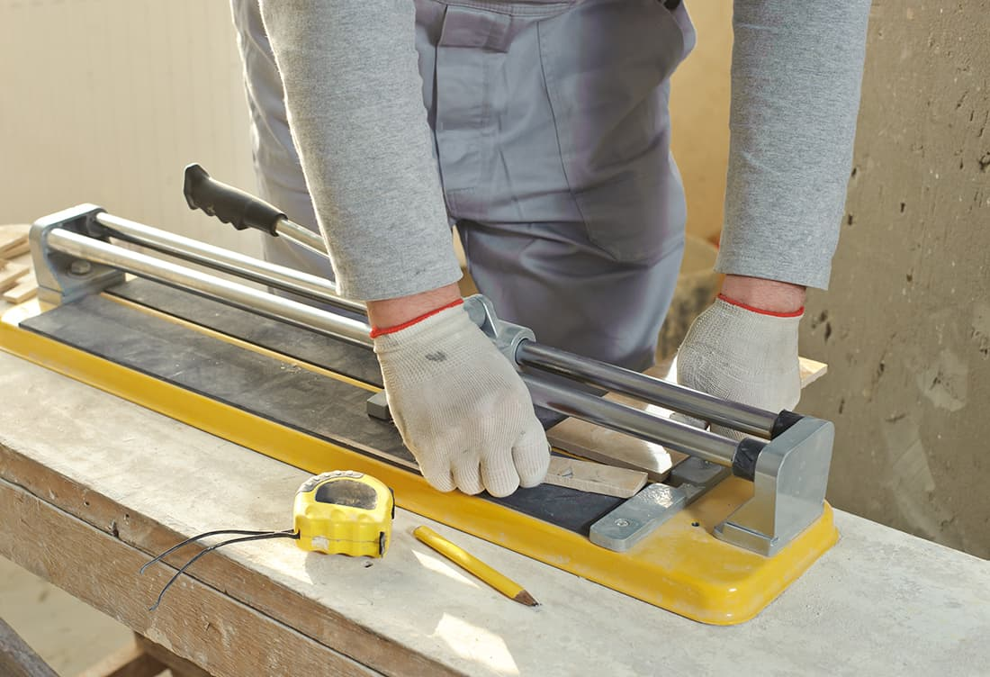 6 Best Manual Tile Cutters (Review) In 2021