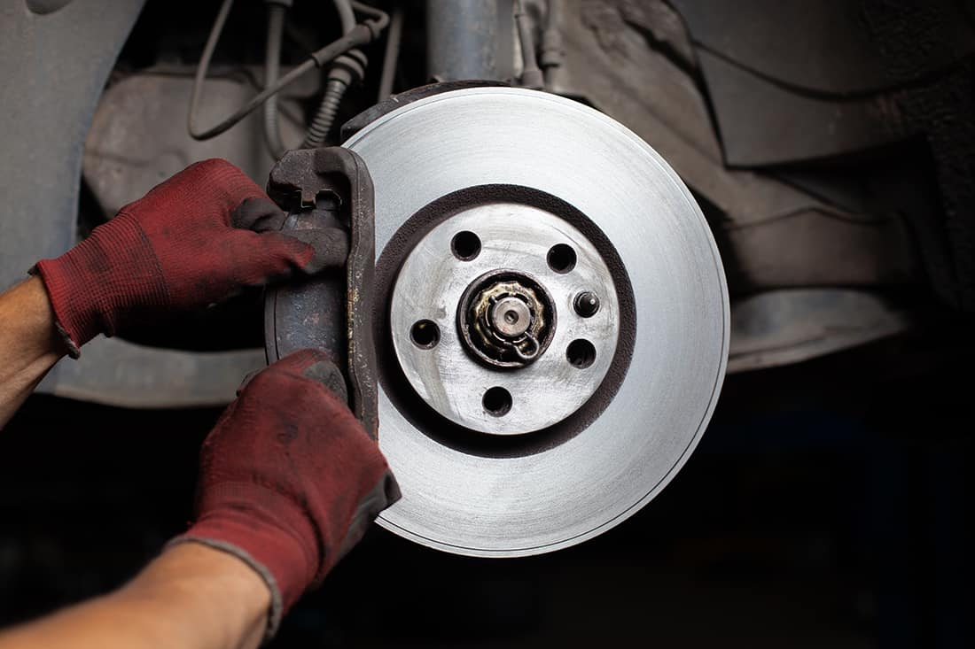 7 Best Brake Pads for Toyota Tundra (Review) in 2021