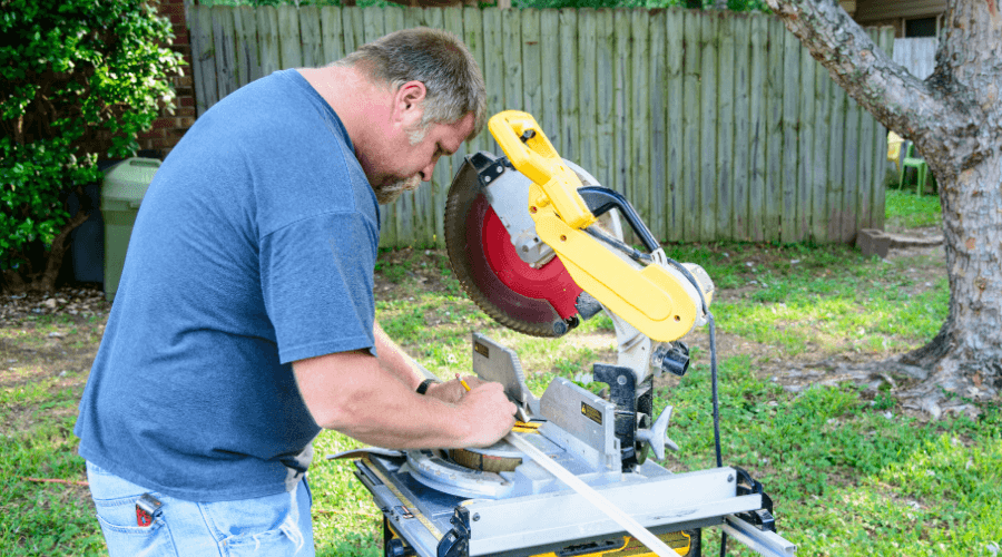 Double bevel compound miter saw How it works